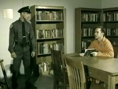 officer welcomes inmate )