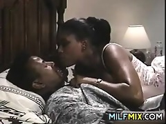 ebony d like to fuck sucking on a large cock