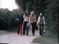 c-c vintage lesbo schoolgirls