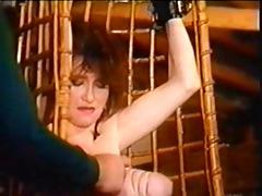 elastic band distorting tits