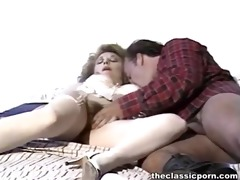 curly pussy get laid inside the motel
