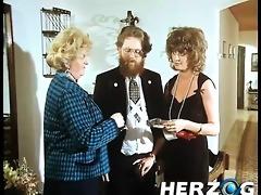 bearded retro dude enjoys a hairy cunt