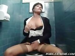 sex in the restroom for dinner