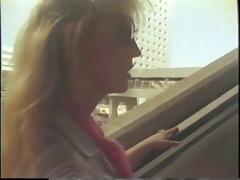 classic busty porn queen sucks massive cock in