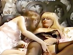 retro lesbians convulse from orgasm